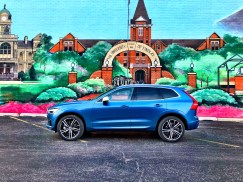 2018 Volvo XC60 Review - R-Design - 17