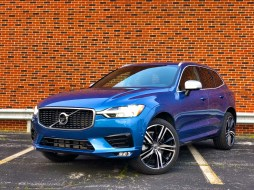 2018 Volvo XC60 Review - R-Design - 21