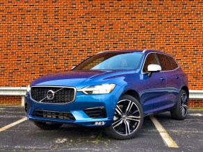 2018 Volvo XC60 Review - R-Design - 21
