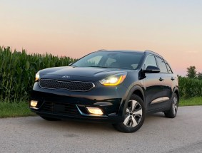2018 Kia Niro PHEV Review - 18