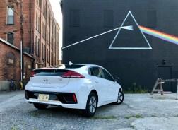 2018 Hyundai Ioniq Hybrid Review - 18