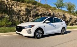 2018 Hyundai Ioniq Hybrid Review - 23