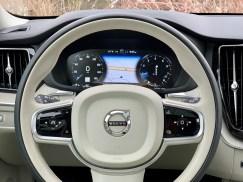 2019 Volvo XC60 Review - 17
