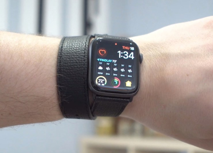 A stylish single or double loop Apple Watch band option.