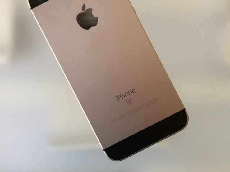 iPhone SE iOS 13.7 Impressions & Performance