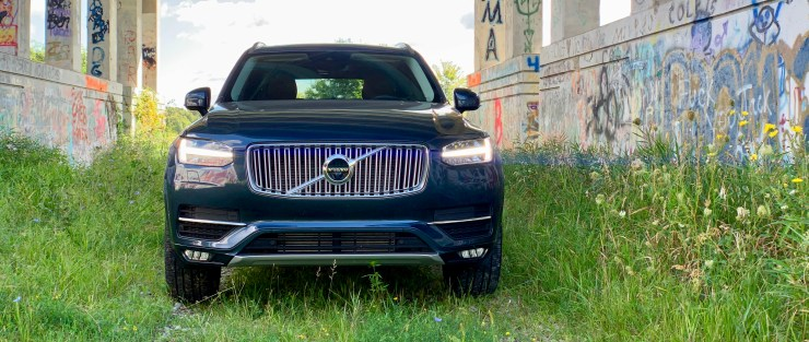 How does the XC90 drive?