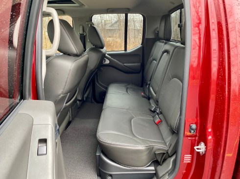 2019 Nissan Frontier Review - 13