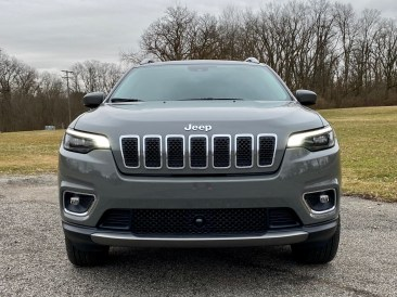 2020 Jeep Cherokee Review - 8