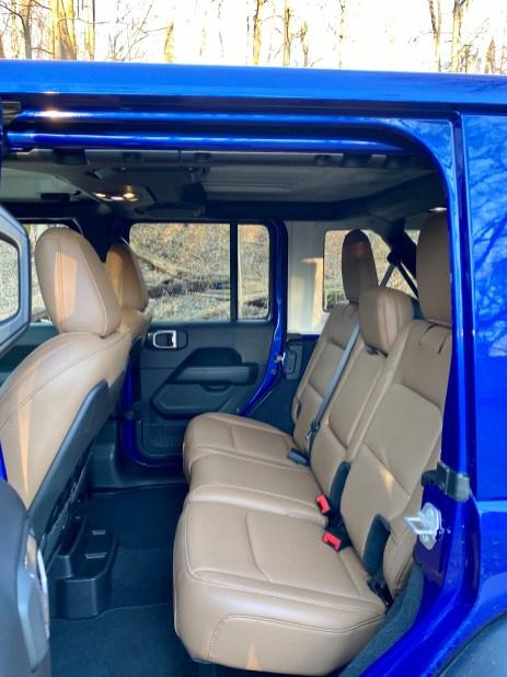 2020 Jeep Wrangler EcoDiesel Review - 16