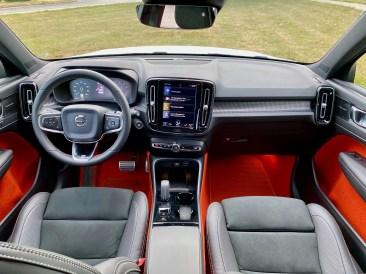 2020 Volvo XC40 Review - 7