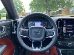 2020 Volvo XC40 Review - 9