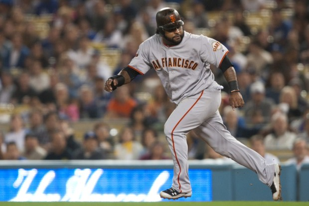 Watch the Giants vs Cardinals live stream of the NLCS Game 3. Photo Works / Shutterstock.com