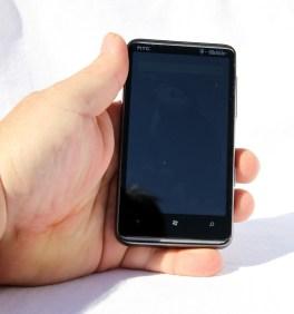 HTC_HD7_inhand