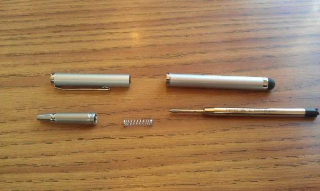 RocketFish Stylus and Pen uses Schneider pen refills