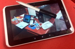 HTC_Flyer_with_pen