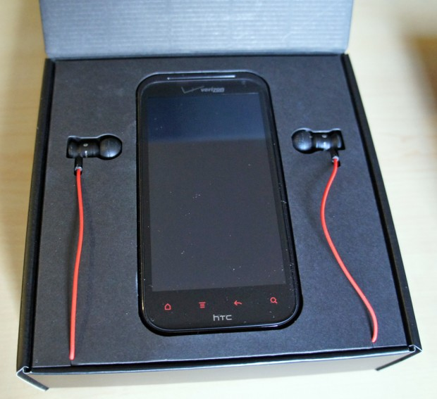 HTC Rezound Inside the Box