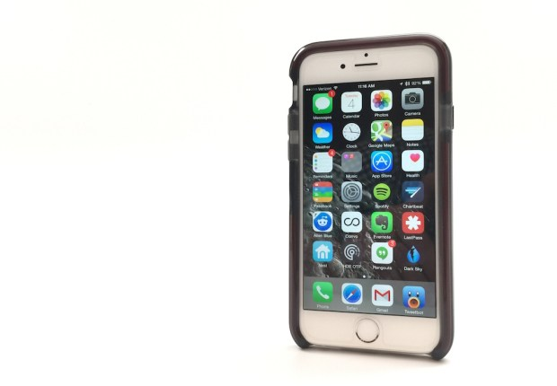 The edges of the Tech 21 iPhone 6 case keep the screen off of surfaces and absorb impacts.The edges of the Tech 21 iPhone 6 case keep the screen off of surfaces and absorb impacts.