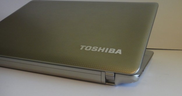 Toshiba-Satellite-E305-Review