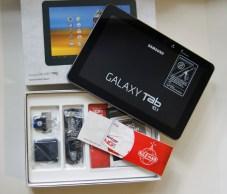 Verizon Wireless Samsung Galaxy Tab 10.1 - in the box