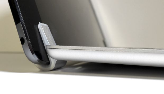 brydgeair keyboard hinge front