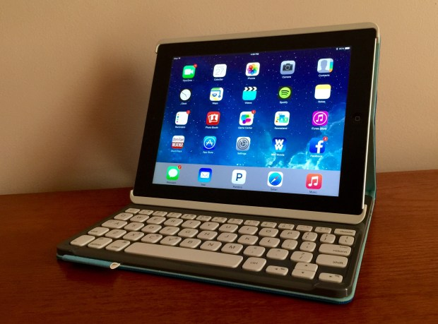 There are no iOS 8.1.3 Bluetooth problems on our iPad 3.