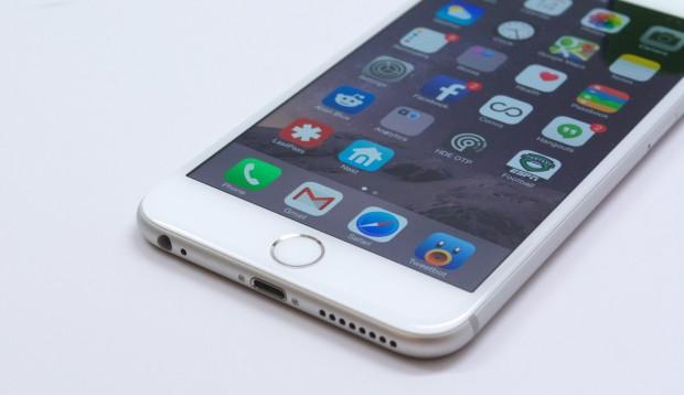 iPhone 6 Plus iOS 8.1.3 Review