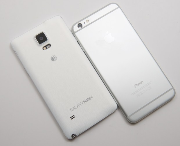 The Galaxy Note 4 Next to the iPhone 6 Plus