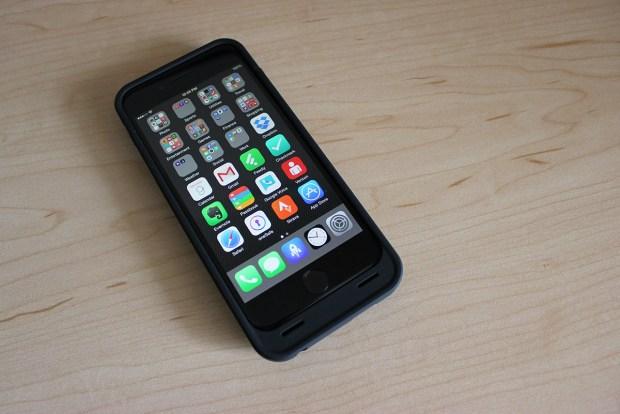 unu-iphone-6-battery-case-1