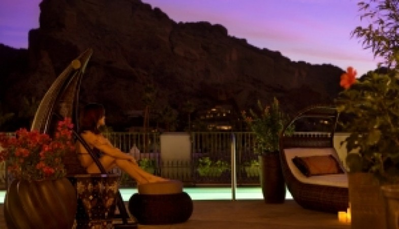Image of Joya Spa terrace at dusk
