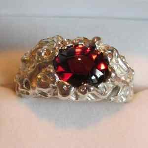 exclusieve ring met speciaal slijpsel van Edelsmederij Turmali Breda