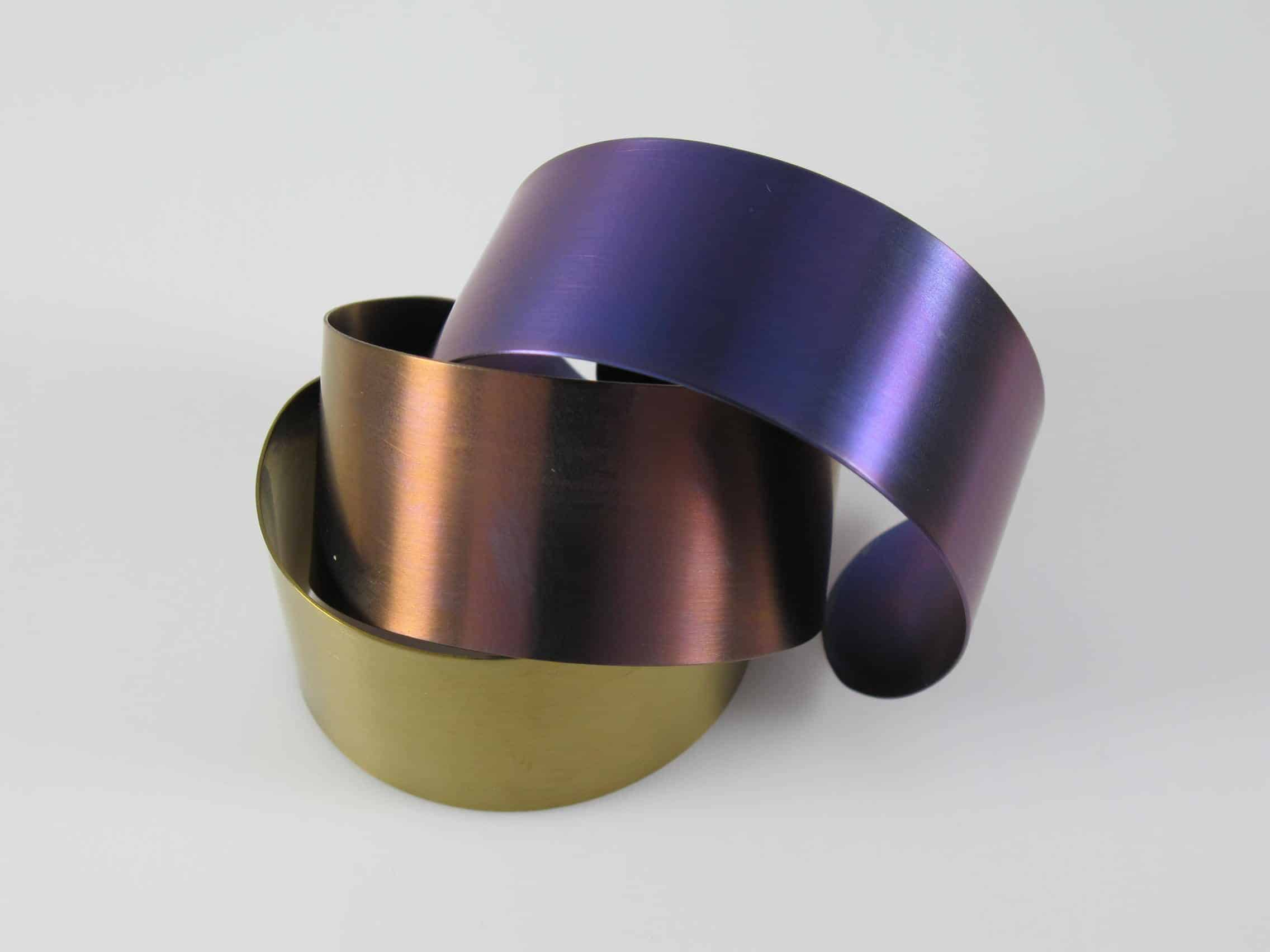 Titanium armbanden gekleurd