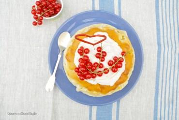 Burgunder Kuchen mit Zimtschmand #rezept #backen #gourmetguerilla