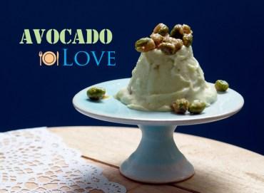 Avocado-Semifreddo mit gebrannten Pistazien #rezept #gourmetguerilla #gemüse #eis