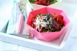 Zucchini-Spaghetti Marinara mit Champignonklößchen #rezept #gourmetguerilla #lowcarb #vegetarisch
