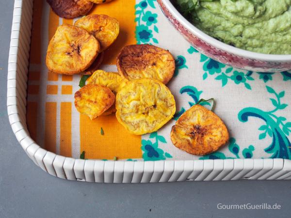 Veganer Edamame-Dip mit Bananenchips  GourmetGuerilla.de
