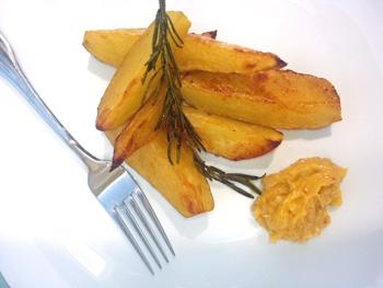 Gebackene Kartoffelspalten mit Ingwermayonnaise