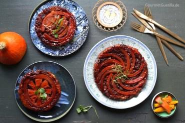 Tarte Tatin mit Kürbis, geschmorten roten Zwiebeln und Ziegenkäse #gourmetguerilla #rezept #herbst