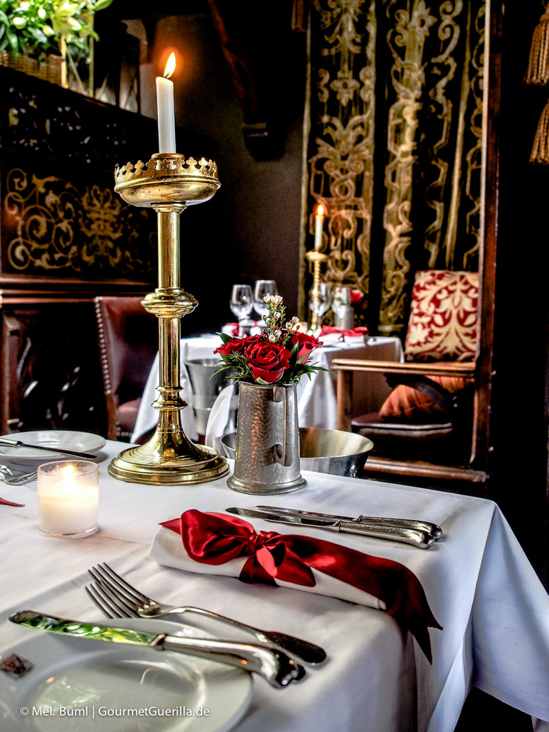 Kurz-Tripp Edinburgh Restaurant The Witchery | GourmetGuerilla.de