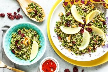 Grüner Tabbouleh-Salat mit Bulgur, Cranberries und Walnüssen |GourmetGuerilla.de