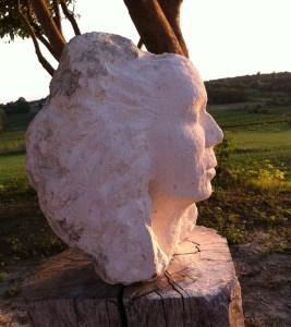 Sculpter sur du calcaire tendre de Bordeaux