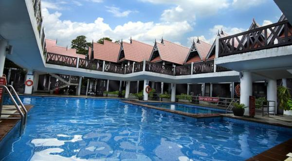 Paya Beach Resort Swimming Pool
