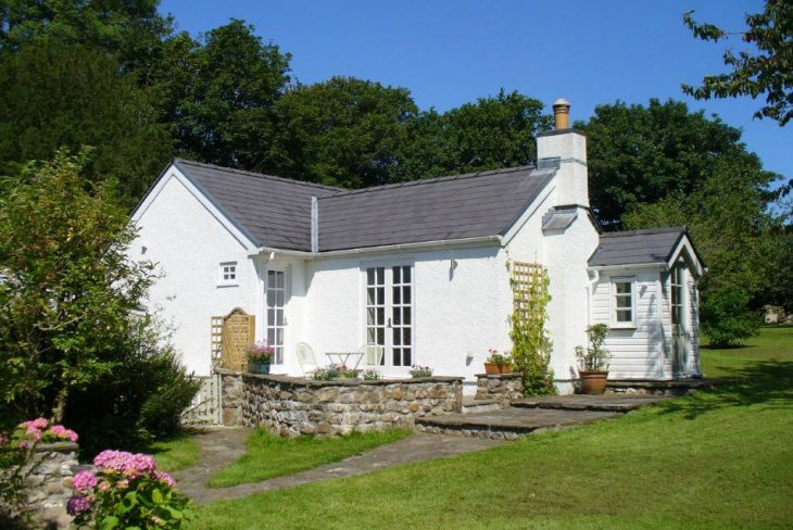 Cilibion House is self-catering accommodation near Llanrhidian
