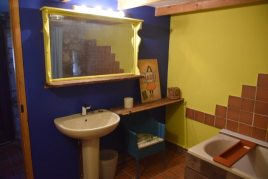 The bathroom at Delvid Stables holiday cottage, Llangennith, Gower