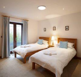 The twin bedroom at Oriel Gwyr, Rhossili, Gower near Swansea