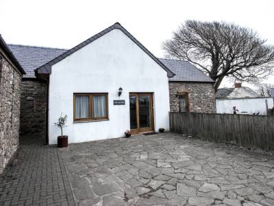 The Laundry self-catering holiday cottage, Middleton, Rhossili, Gower Peninsula