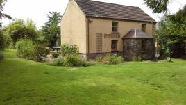Brook Cottage is a self-catering cottage in Reynoldston, Gower