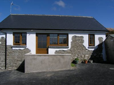 Candyfloss self-catering cottage, Scurlage, Gower