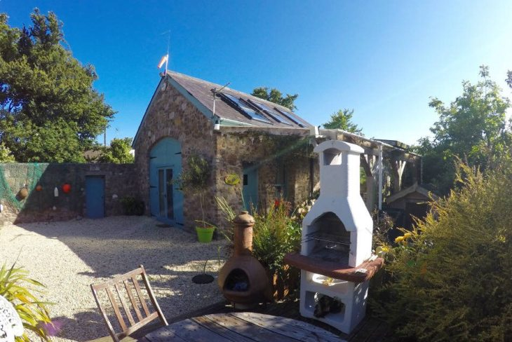 Common Stone Barn holiday home, Llangennith, Gower