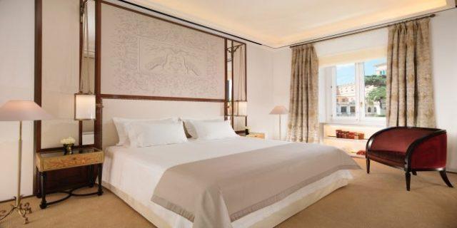 Hotel Eden Rome suite bedroom