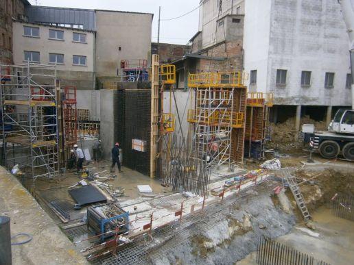 Construction des bajoyers des chambres